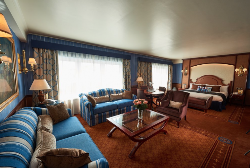 Hotel newport bay club suite