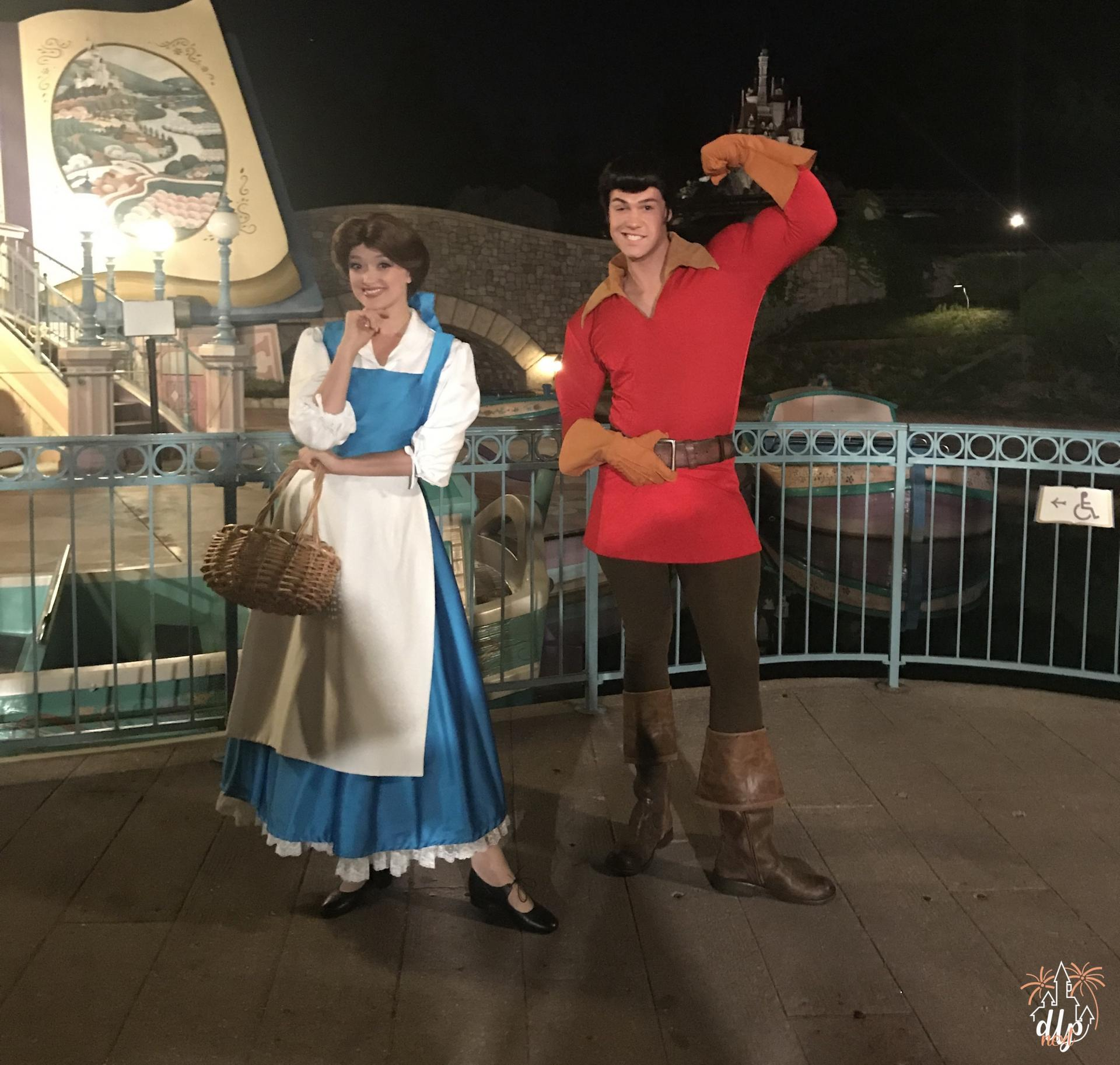 Characters Night Disneyland Paris Belle et Gaston
