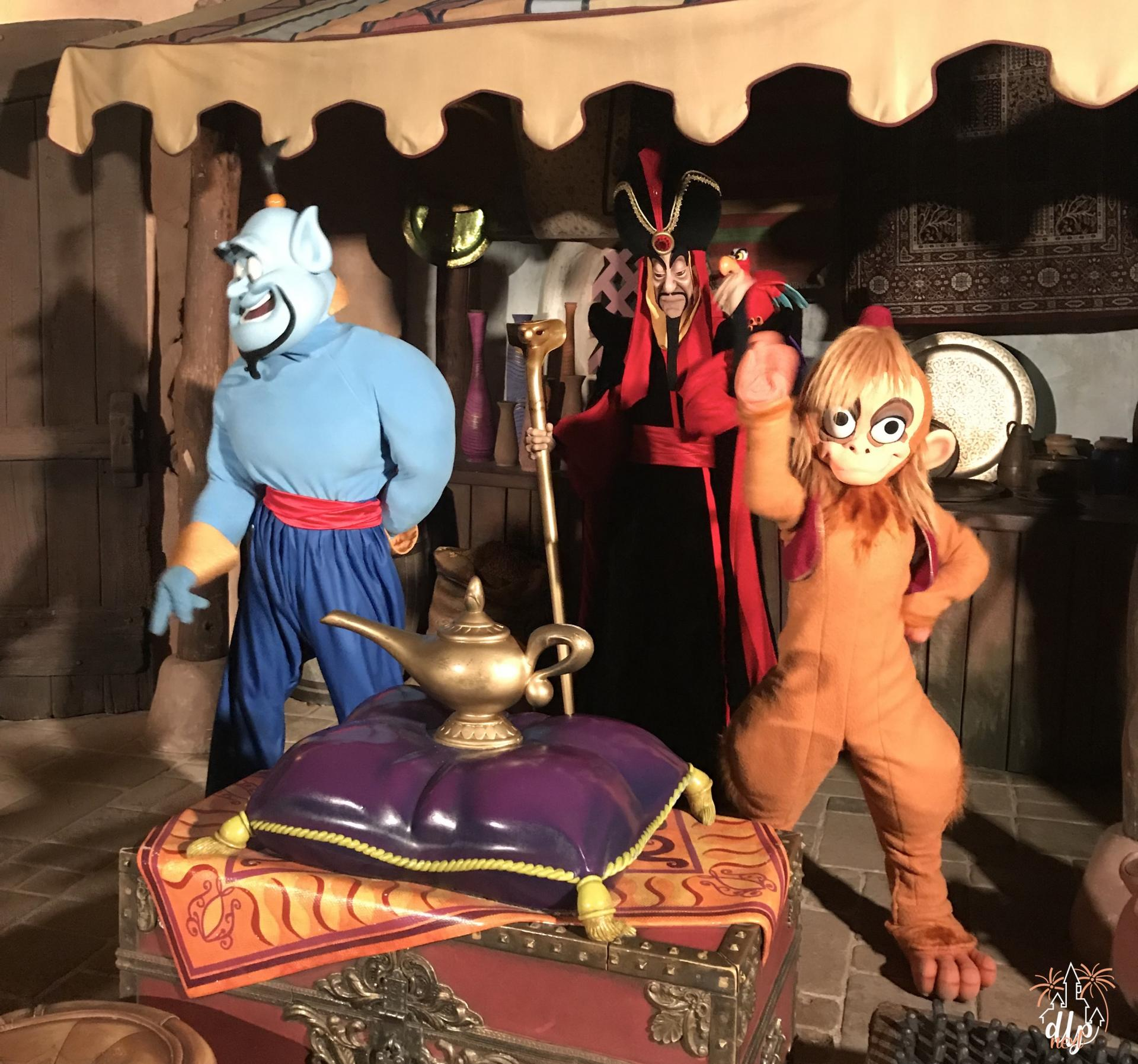 Characters Night Disneyland Paris Aladdin