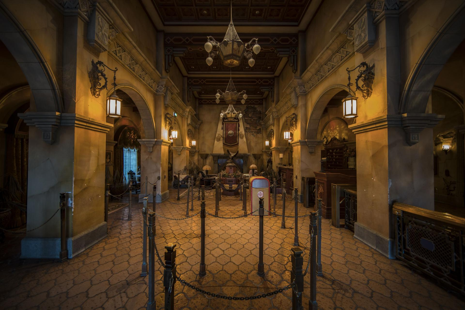 the Twilight Zone Tower of Terror lobby