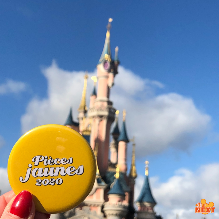 Volutears de disneyland paris soutient l ope ration pie ces jaunes